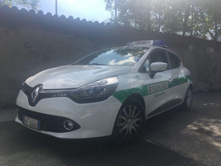 MONCALIERI – Tettoia abusiva, interviene la polizia municipale