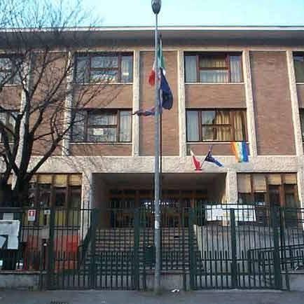 NICHELINO – Ladri alla scuola Don Milani, rubati computer e televisori