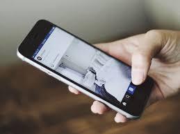 MONCALIERI – I ragazzi del Majorana insegnano agli adulti come usare lo smartphone