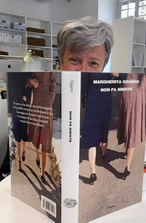 Pecetto: Margherita Oggero in biblioteca