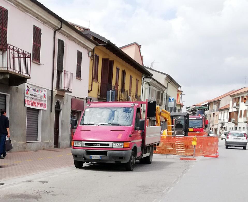 TROFARELLO – Riparata la voragine in via Torino