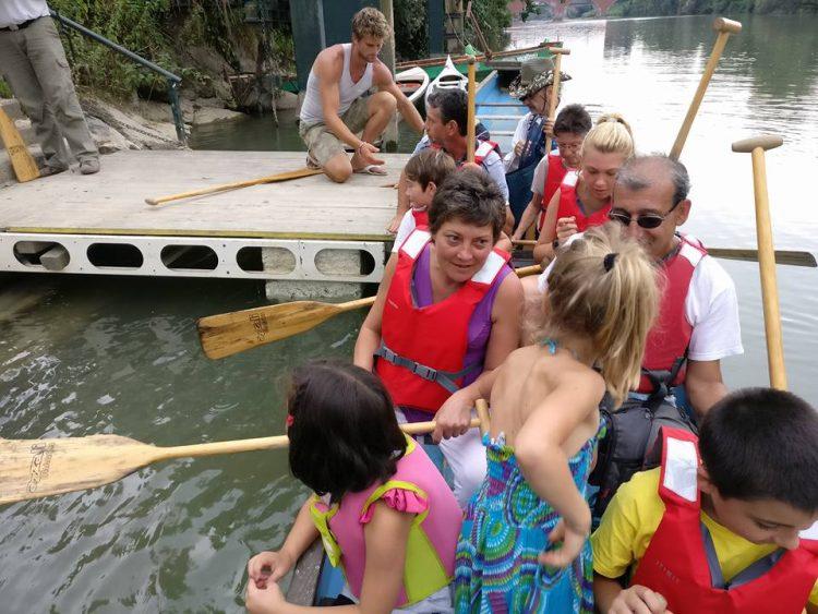 MONCALIERI – Navigazione sul Po con le canoe degli indiani