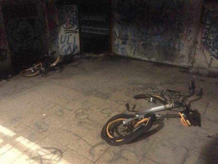 MONCALIERI – Continua la strage delle biciclette devastate