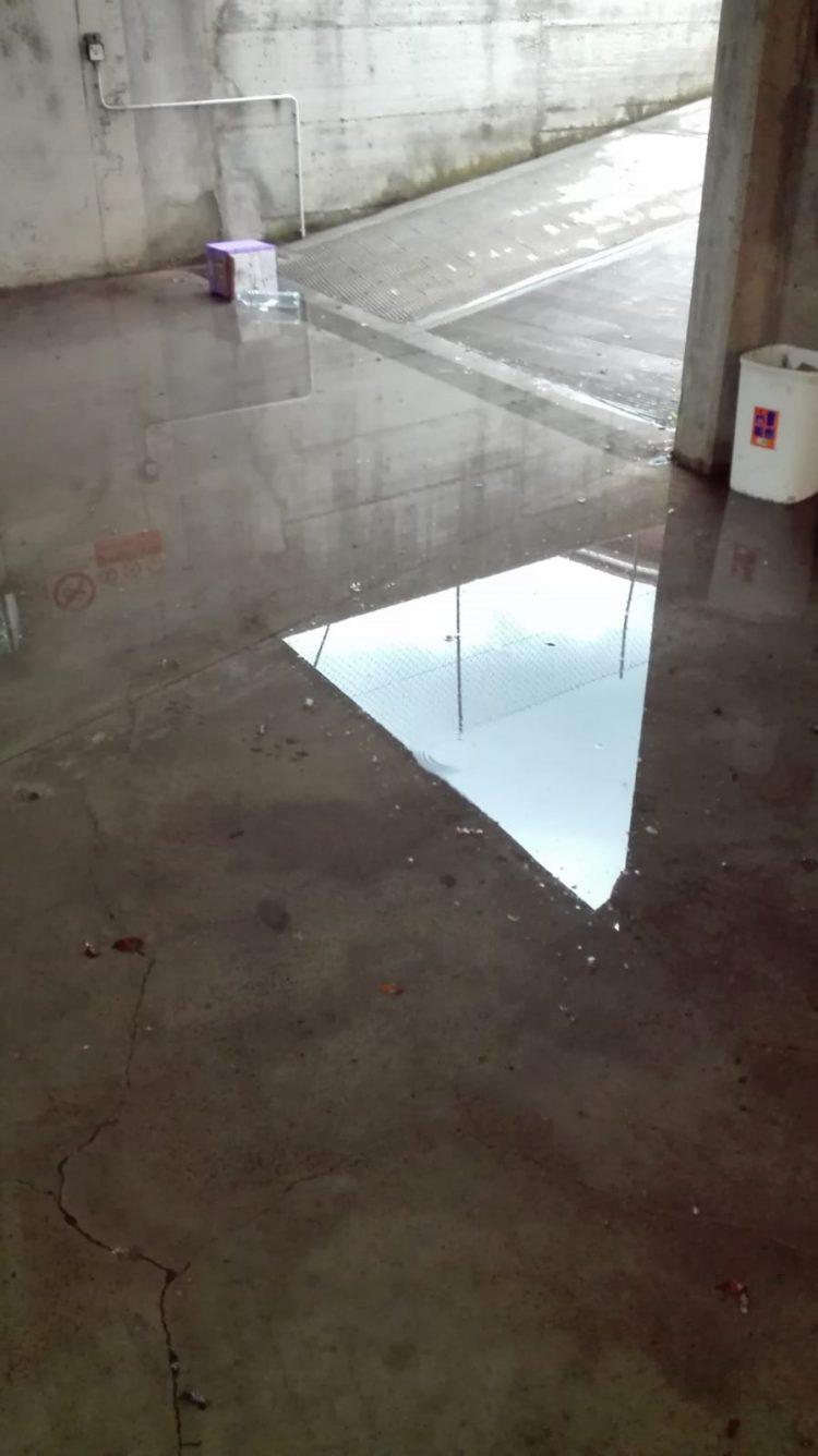 MALTEMPO – Allagamenti a Carpice, piove dentro la palestra della Marco Polo a Nichelino