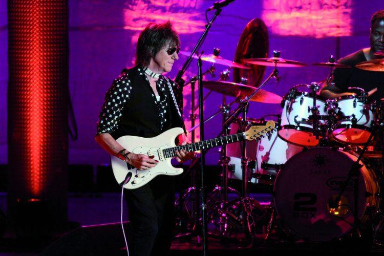 Stupinigi a suon di riff- stasera concerto di Jeff Beck