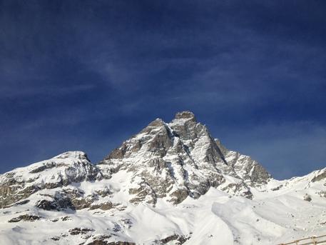 Tragedia sul Monte Bianco, dopo il recupero del cadavere di Luca, si cercano gli altri due ragazzi