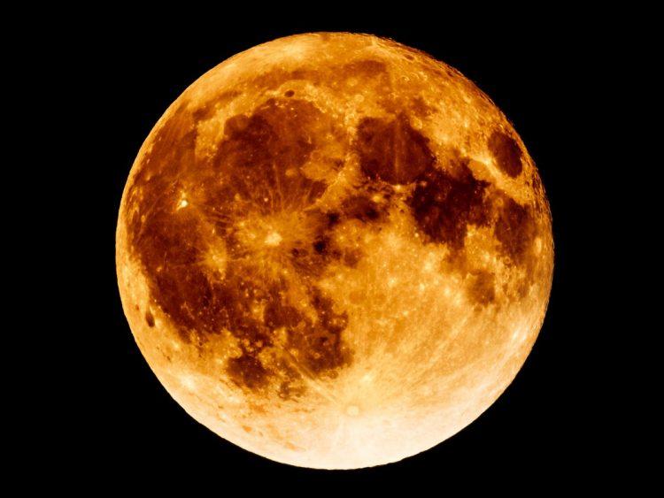 MONCALIERI – Documentario sullo sbarco sulla Luna in biblioteca