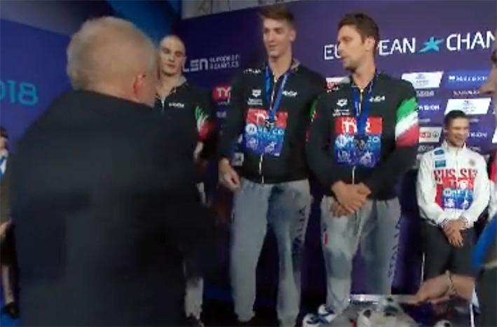 Un Alessandro Miressi da urlo porta l'Italia all'argento nella 4×100 stile libero