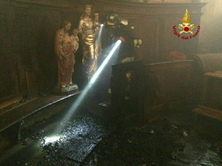 CRONACA – Paura a Condove per l'incendio in una chiesa