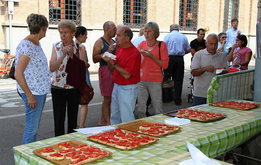 CAMBIANO: Nel week-end va in scena l'edizione numero 41 della Sagra del Pomodoro