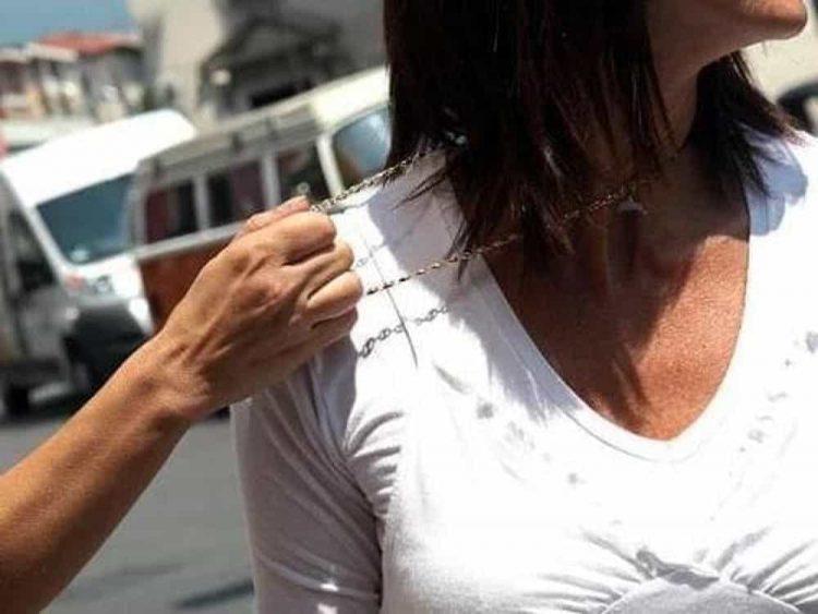 CARMAGNOLA – Aggredita e derubata in strada