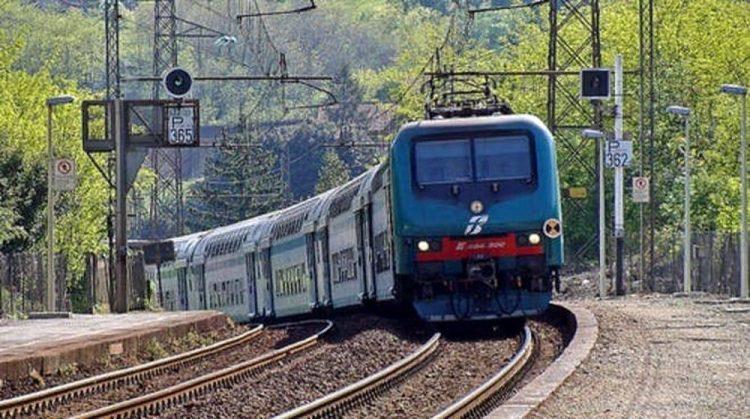 NICHELINO – Guasto al treno, mezz'ora di caos sulla tratta per Pinerolo