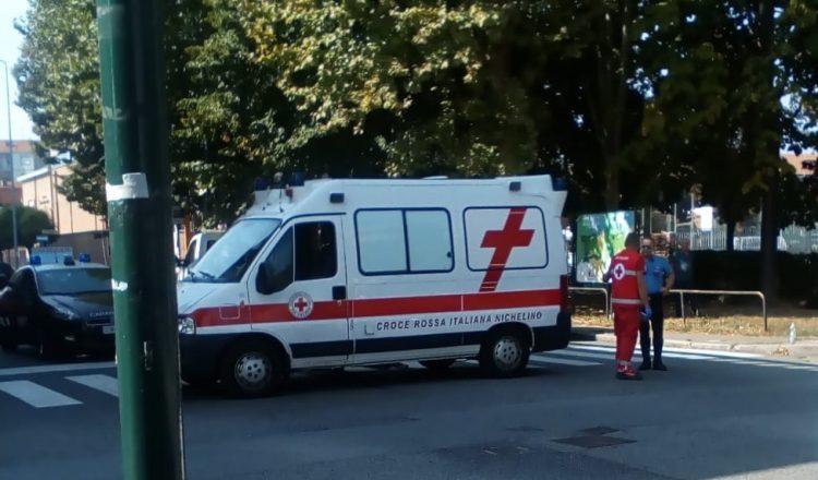 NICHELINO – Scontro tra scooter e auto: un ferito in via Martiri