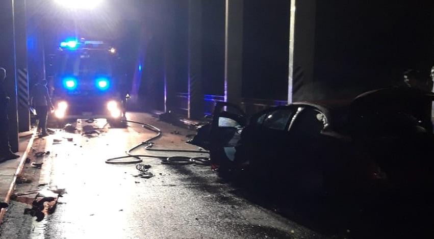 CARIGNANO – Perde il controllo dell'auto e si schianta sul ponte del Po