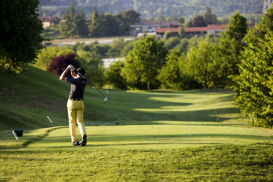 Golf: A Pecetto la «Coppa Vivi Banca»