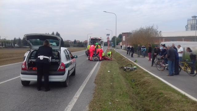 VINOVO – Incidente sulla circonvallazione: ciclista in ospedale