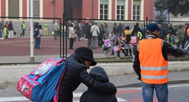 SANTENA – Alunni più sicuri: stop alle auto in via Milite Ignoto