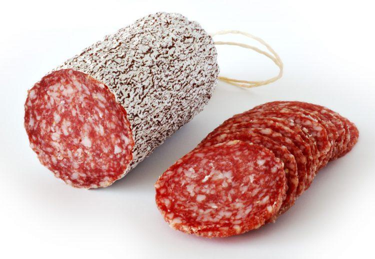 CARIGNANO – Ladri golosi rubano salami al discount