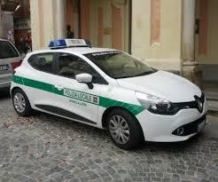 MONCALIERI – Olio su strada da una latta abbandonata: caos davanti alla Firsat