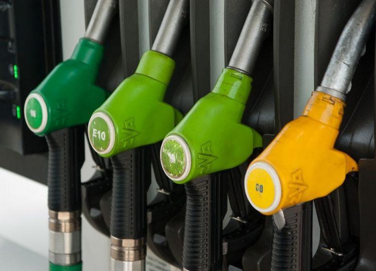 Carburanti: da oggi scattano le nuove diciture. Addio a benzina e gasolio, solo più sigle