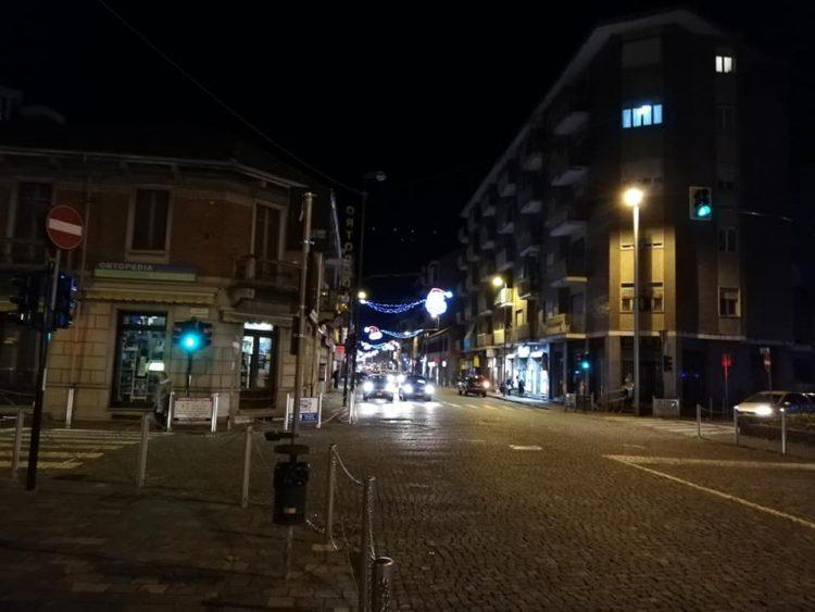 NICHELINO – Accese le luci di Natale in città