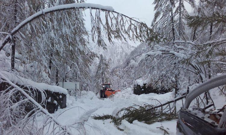 Maltempo: nevica in quota. La Città metropolitana interviene su neve e frane