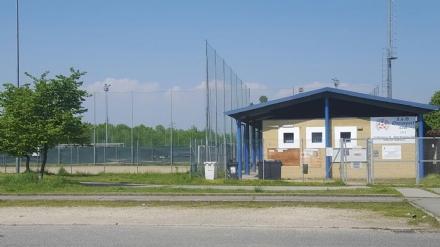 NICHELINO – Espelle un giocatore e poi sospende la partita perchè minacciato
