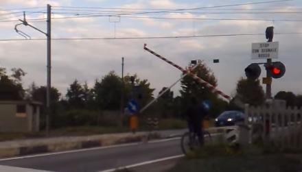 VINOVO – Passaggio a livello sarà chiuso da Ferrovie