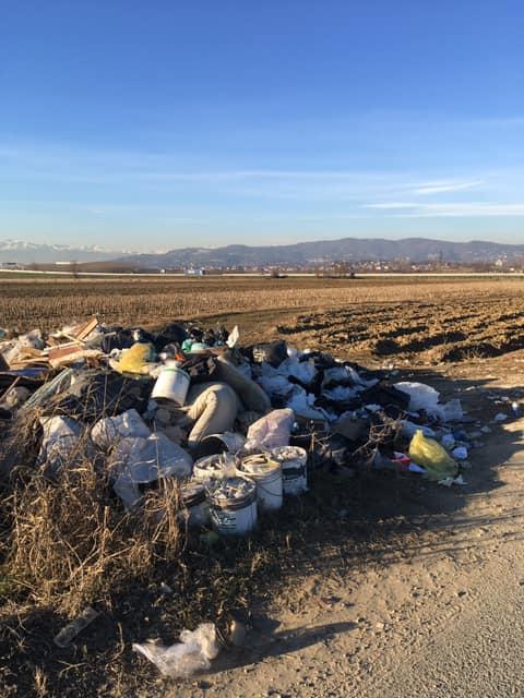 TROFARELLO – Maxi discarica in strada Restauduzzo