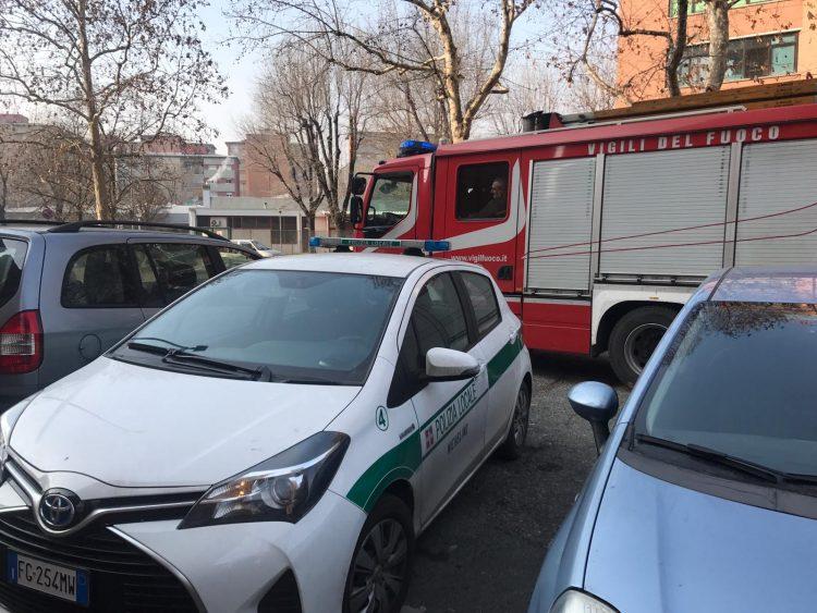 NICHELINO – Famiglia bloccata in casa: intervengono i pompieri