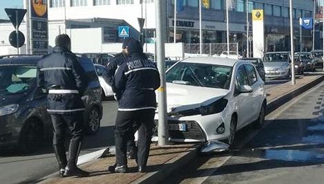 MONCALIERI – Incidente in corso Savona: un ferito