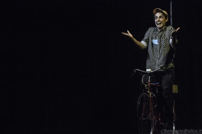 «Mi abbatto e sono felice» apre la stagione teatrale del Gruppo di lettura di Carmagnola