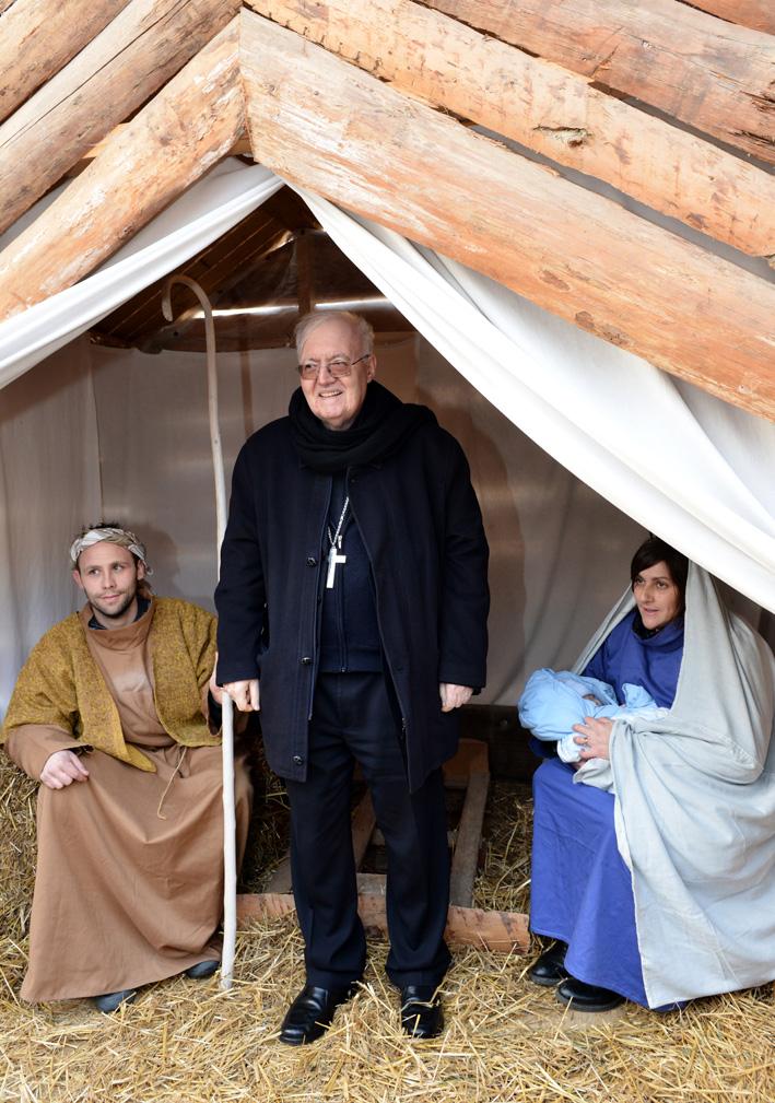 L'arcivescovo di Torino mons. Nosiglia a La Longa per visitare il presepe vivente