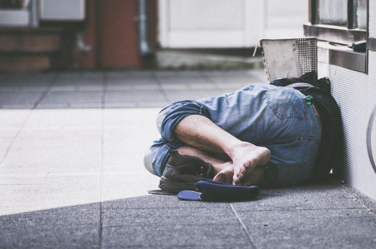 La Città Metropolitana lancia un bando per aiutare i senzatetto