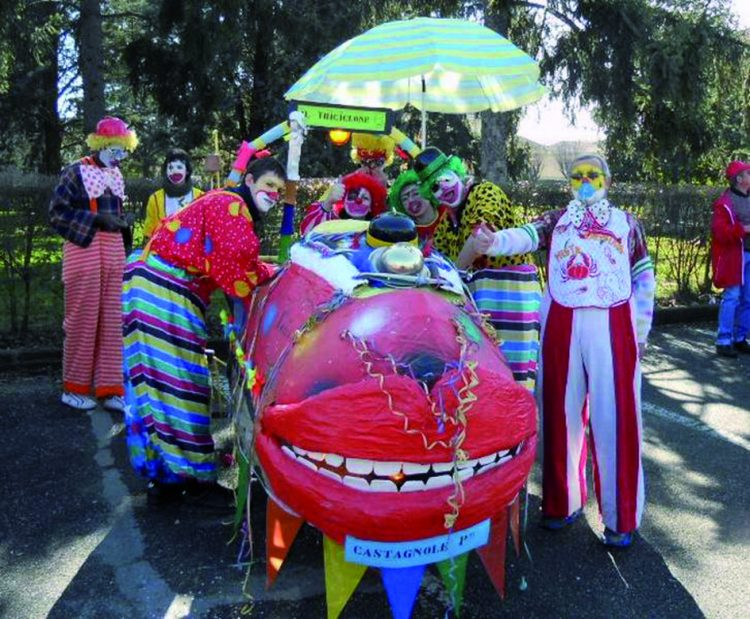 Sabato a Vinovo il divertente e colorato Carnevale degli Strambìcoli