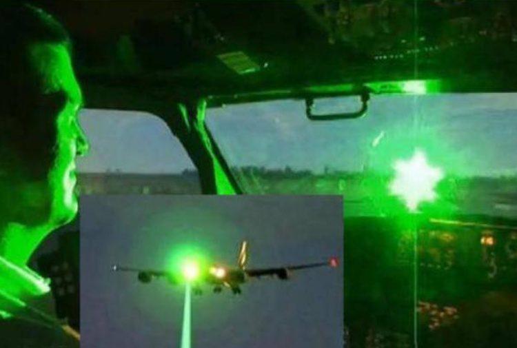 Puntatori laser contro gli aerei: l'Arma indaga a Moncalieri