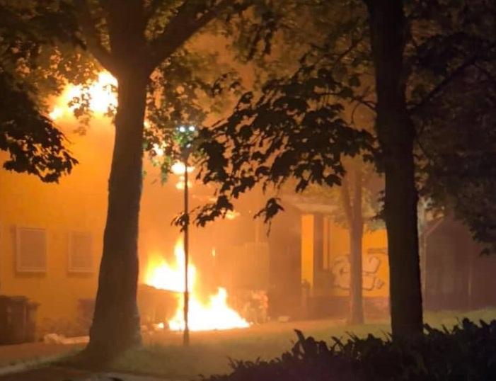 NICHELINO – Incendio devasta il centro d'incontro del Boschetto