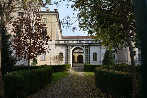 CULTURA – Visita al castello di Virle domenica 25