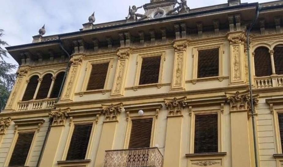SANTENA – Il Municipio si trasferisce a Villa Rey?
