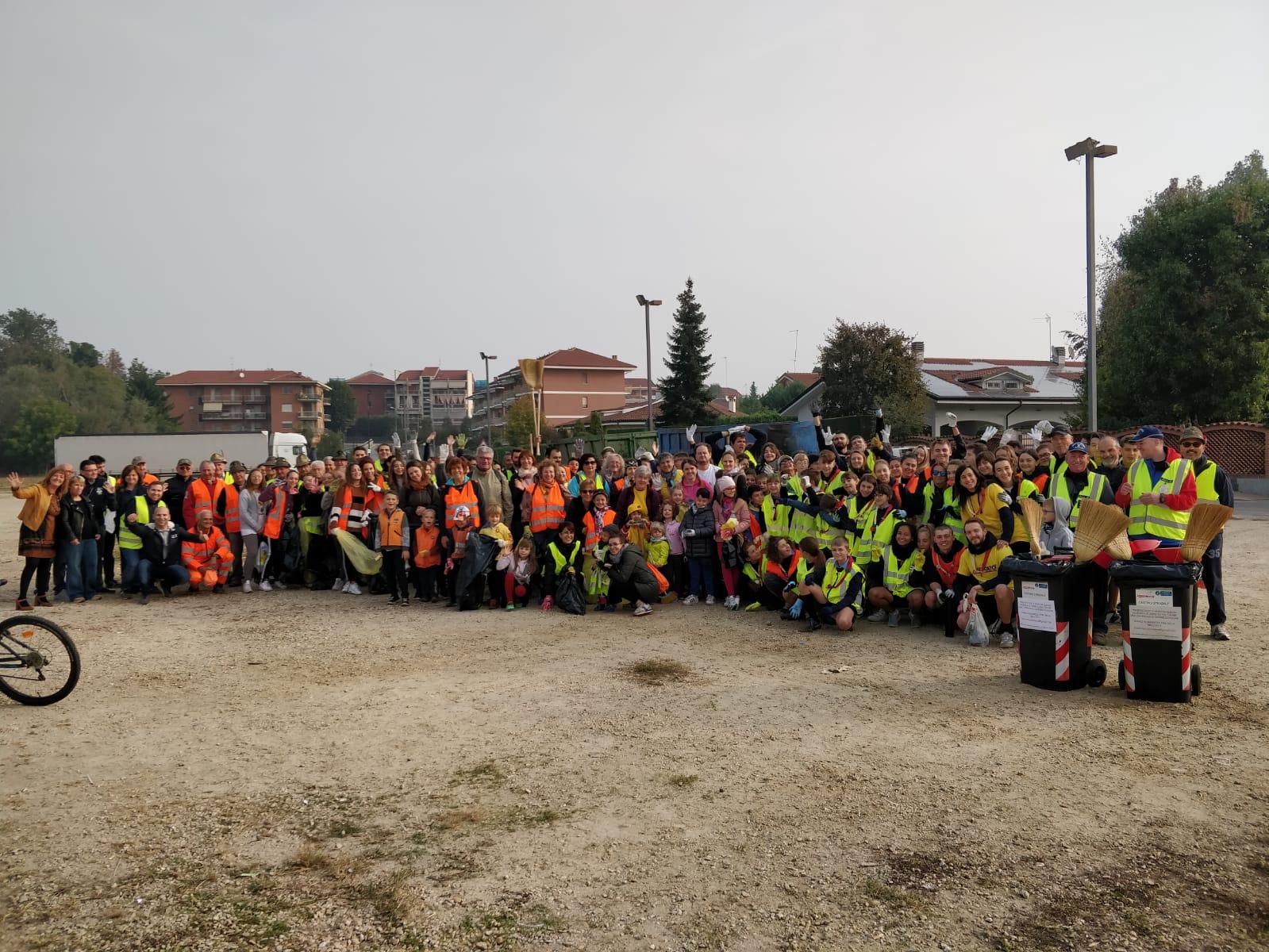 SANTENA – Quintali di rifiuti recuperati nella giornata ecologica