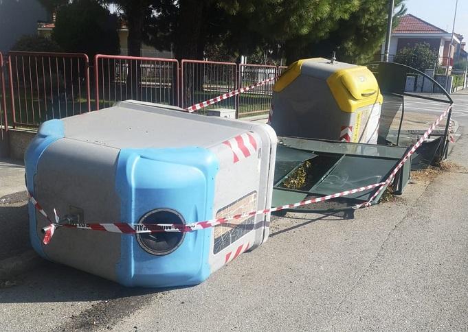 NICHELINO – Ubriaco al volante si schianta contro le campane della raccolta rifiuti