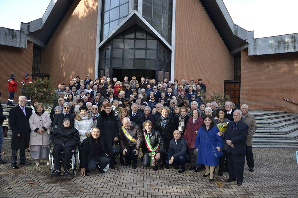"""NICHELINO – L'amministrazione festeggia le nozze d'oro e di diamante dei """"nonni"""" della città"""