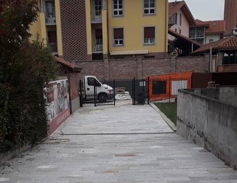 VINOVO – Conclusi i lavori della strada che collega la biblioteca al parcheggio