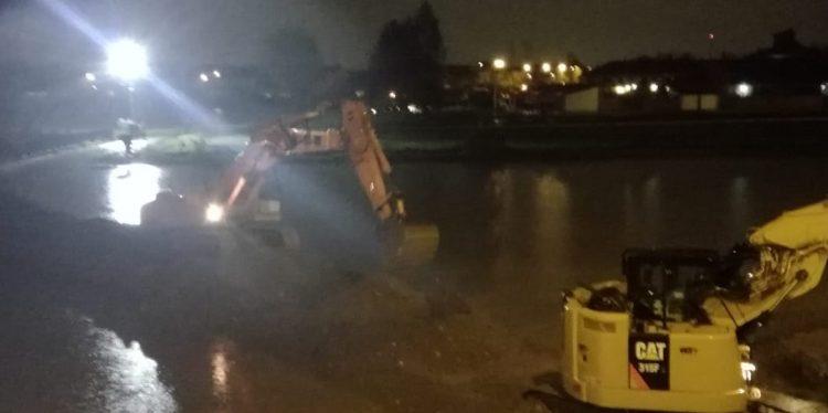 MALTEMPO – Notte di lavoro per rinforzare l'argine Chisola a Tetti Piatti