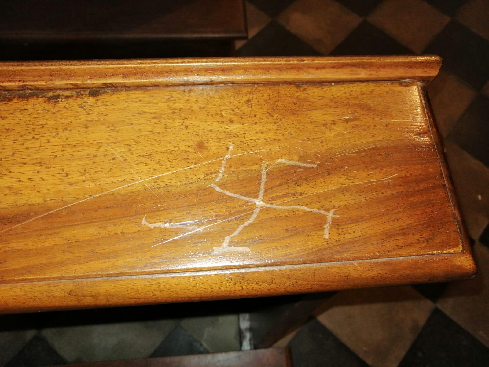 CARMAGNOLA – Sfregi alla chiesa di Casanova: numeri satanici e svastiche