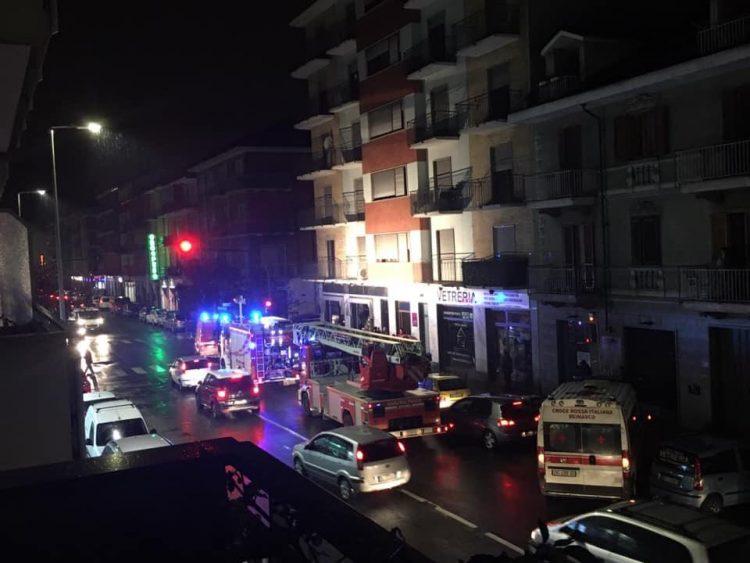 MONCALIERI – Incendio nelle cantine di un palazzo di via Sestriere