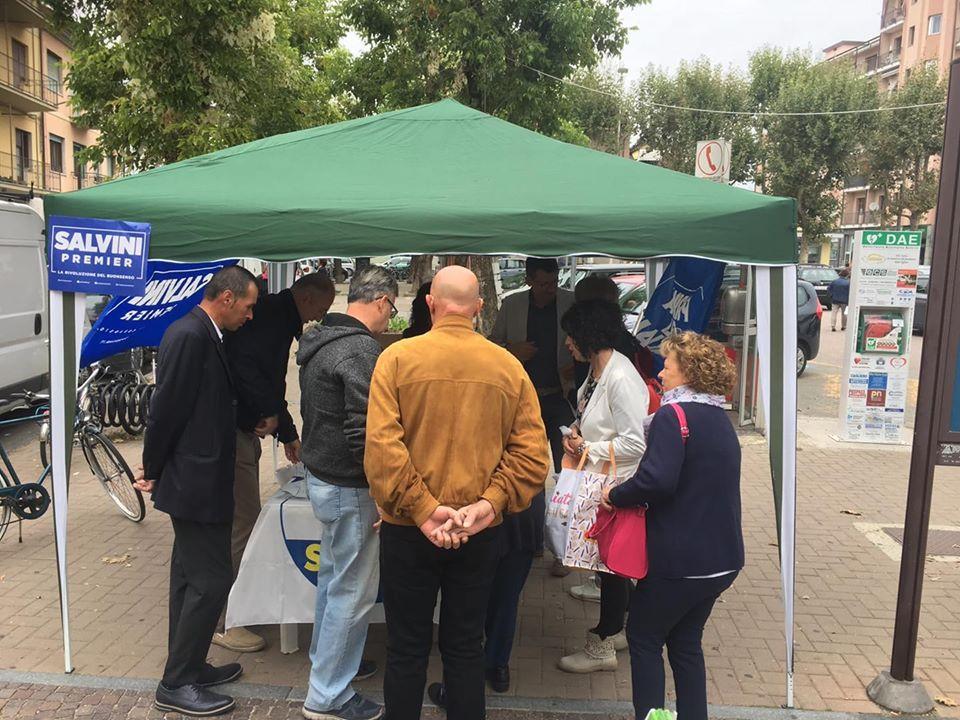 CARMAGNOLA – Un gazebo per dire no alla riforma del fondo salva stati