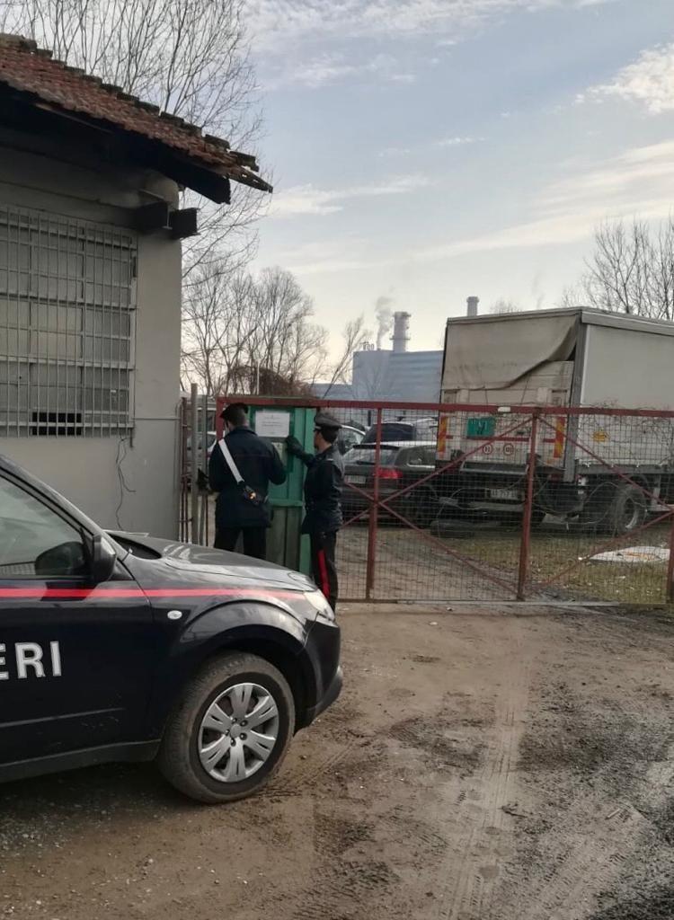 MONCALIERI – Blitz di carabinieri e polizia locale in piazza del Fieno