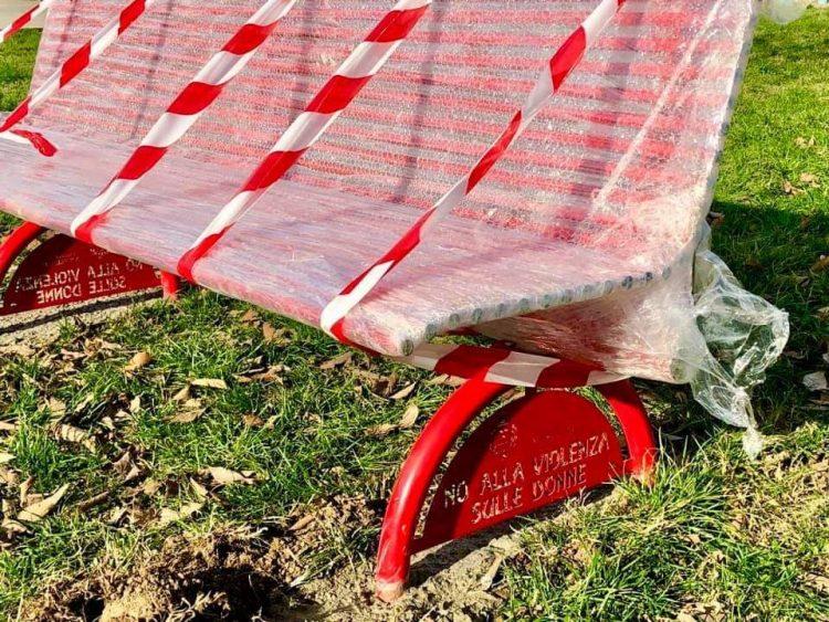NICHELINO – Al quartiere Castello è arrivata la panchina rossa
