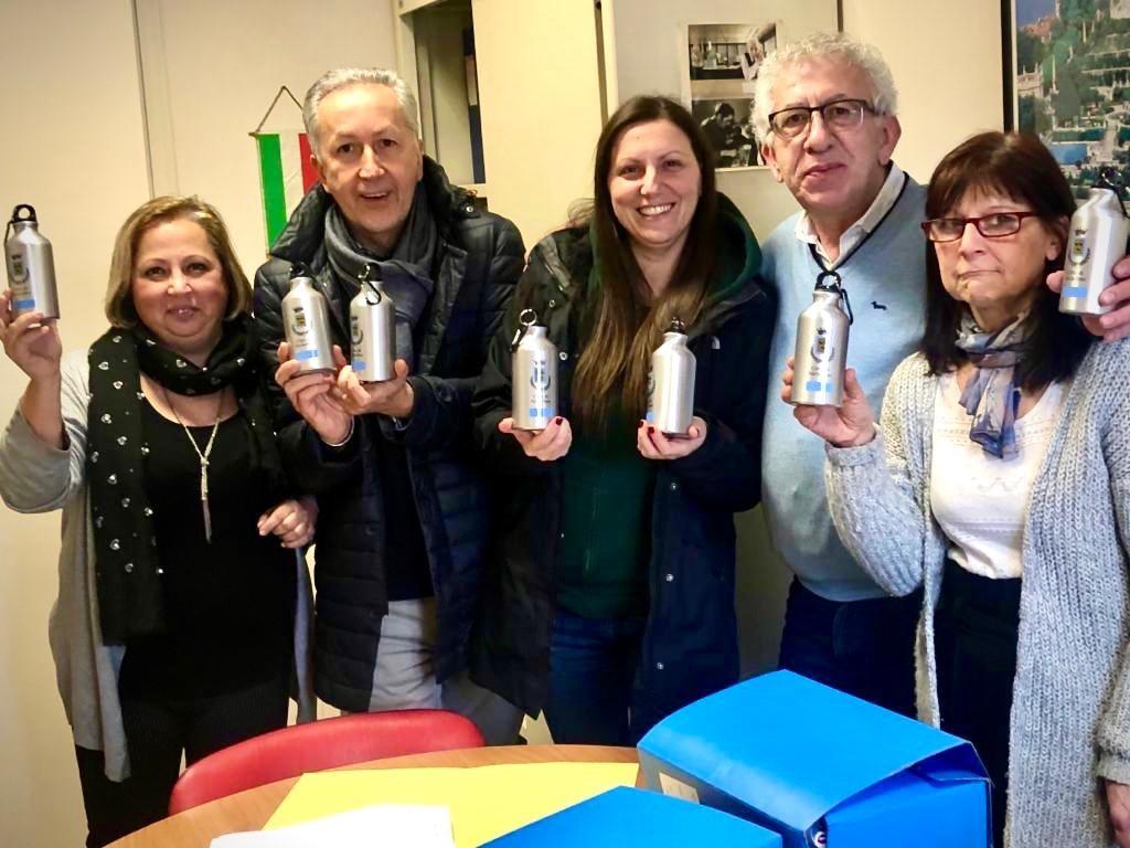 NICHELINO – Borracce in alluminio anche ai dipendenti comunali